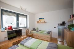Zimmer-mit-Bad-und-Dusche-Schwabach-1005